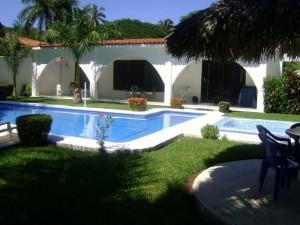 se renta casa en ixtapa zihuatanejo