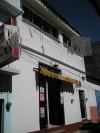 casa centrica con local comercial